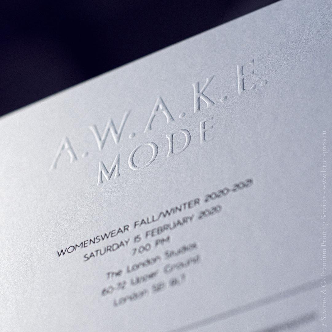 Приглашение на презентацию новой коллекции #AWAKE в нашем уже почти родном Лондоне.. :) Эй, #эвентагентства мы умеем #шикарно и очень-очень быстро вывести ваше событие на иной уровень с такой #полиграфией #экстра-класса. Вот эти #приглашения сделаны за неполных 2 дня с #конвертами из хлопка в тираже 350 штук. По цене договоримся. ;)#высокаяпечать #приглашение #деловое #типография #мастерскаяручнойпечати #suvorovpress #оттиск #тиснение #конверт #конгрев #премиальнаяполиграфия #рельефнаяпечать #letterpress #printed #business #invitation #digitalprint #emboss #deboss